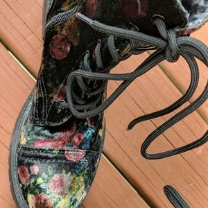 Steve madden floral lace up ankle boots worn 1X